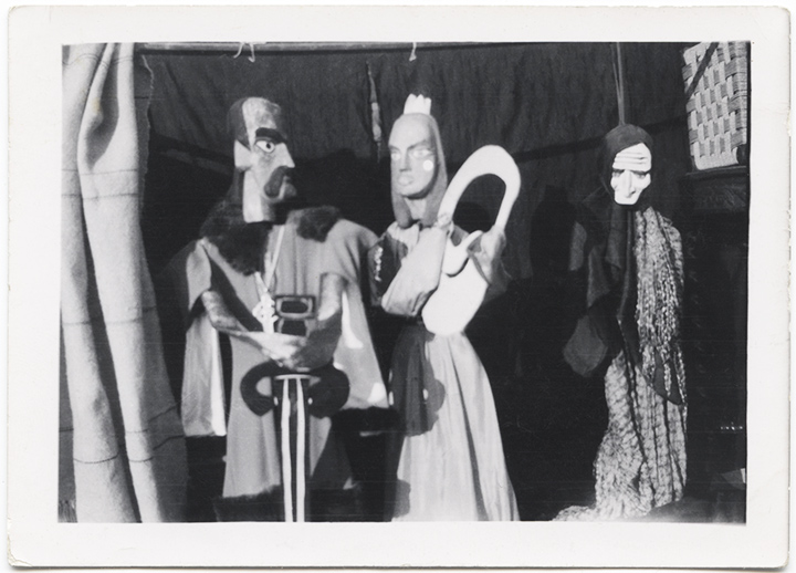 Marionettes from the Yoors house